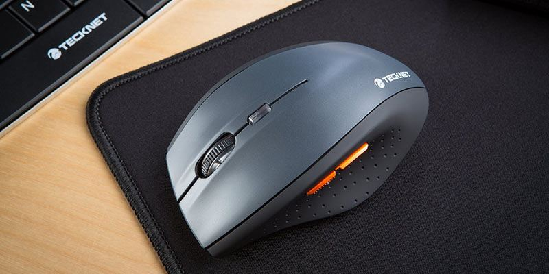 Tecknet M002 Wireless Mouse and Mousemat