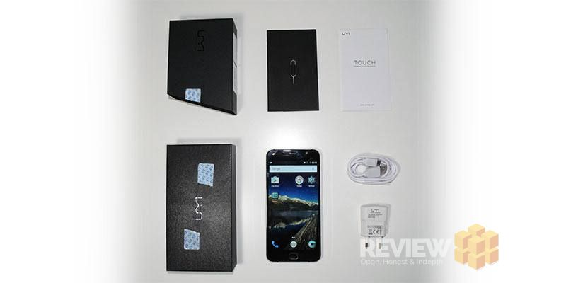 UMi Touch smartphone box contents