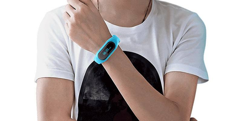 Cubot-V1-Smart-Band-on-wrist