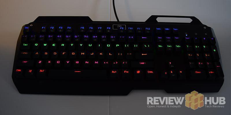 VicTsing-i900-glowing-keys