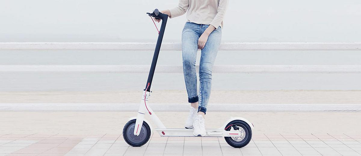 Xiaomi MiJia Electric Folding Scooter White